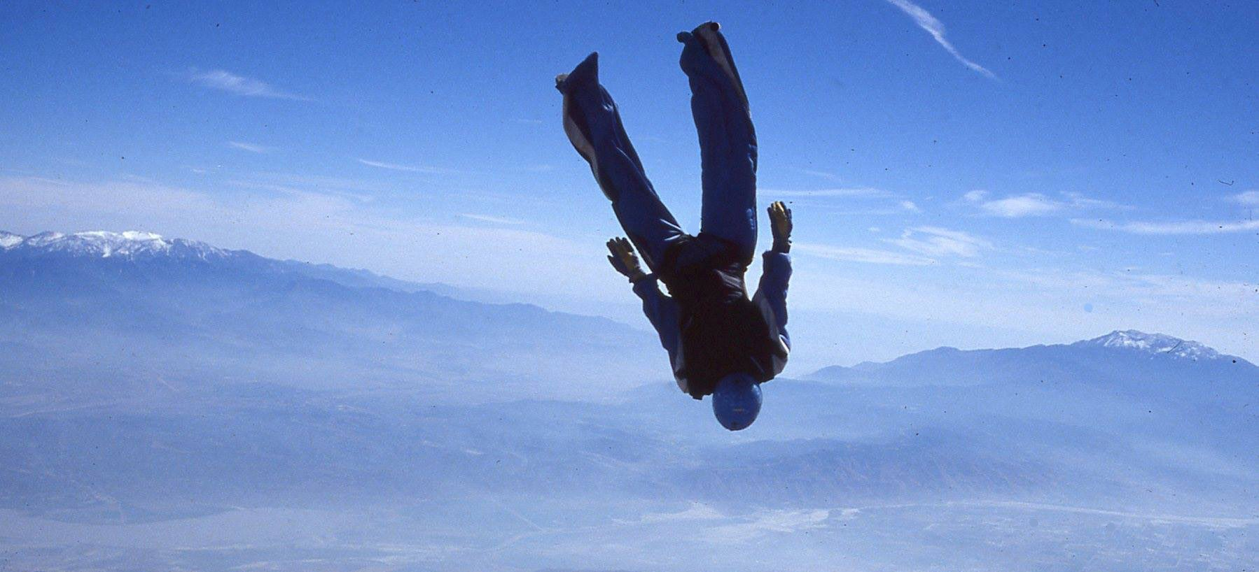 Skydiving in Japan and Business